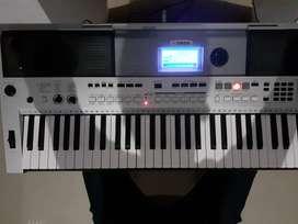 Yamaha psr i455