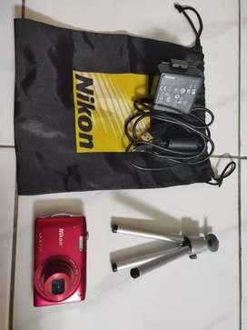 Kamera poket Nikon Coolpix lanjay