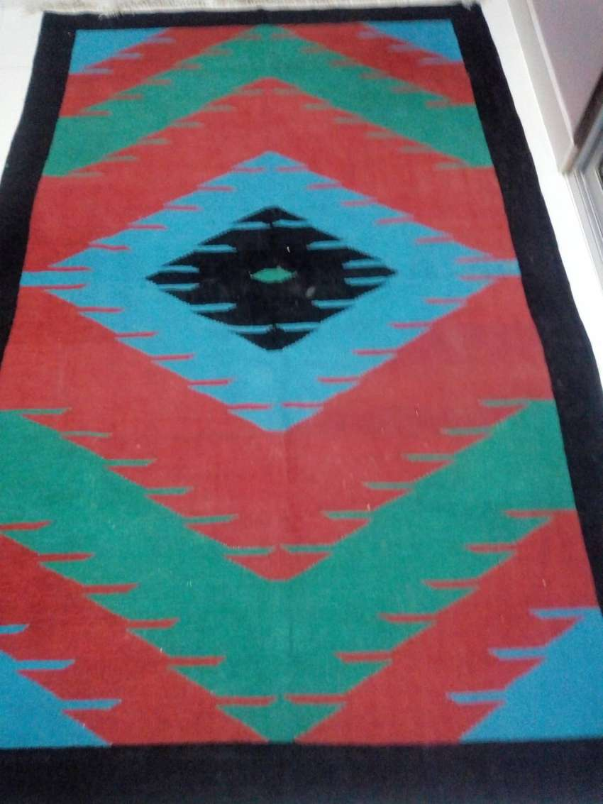 Home used Darri (rug) almost new for sale
