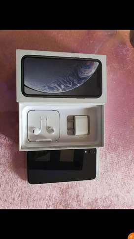 IPHONE XR 128 GB WITH BILL