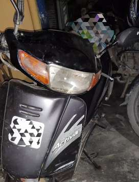 Scooty in fine condition/new tire and battery..but need one service