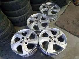 I want to sell Honda City Id tec 15 inch ORIJINAL