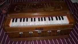 Excellent condition harmonium