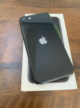 I phone SE2 128gb black clr