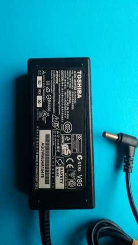 Jual casan laptop toshiba output 19V  3.42A