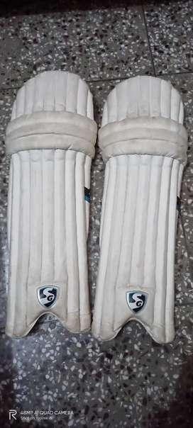 SG Optipro batting Pads