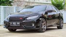 Honda Civic Hatcback E 1.5 At 2018 pemakaian 2019 Hitam Seperti Baru