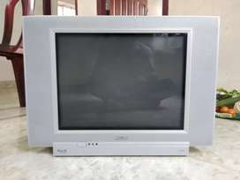Philips 21inchas good condition tv with remote