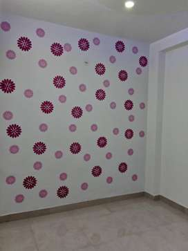 2BHK FLOOR CAR PARKING 60GAJ NEAR UTTAM NAGAR WEST