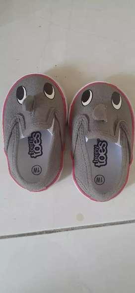 Sepatu baby usia 3-6 bulan
