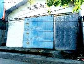 Gudang di Dukuh Kupang, Tinggi pintu gudang 4 meter sngR