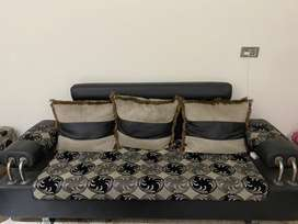 7 seater sofa in mint condition