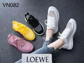 Sepatu import sneaker wanita