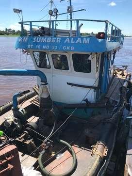 Ponton dan tugboat