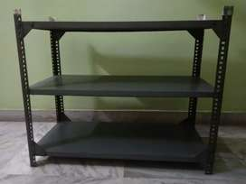 Very hardy detachable ron rack in excellent condition