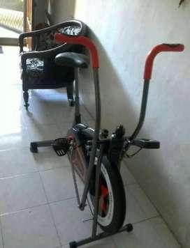 Jual cepat sepeda statis bisa diayun bagian tangan