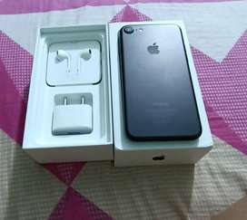 iPhone 7 32GB (15Days Old Open Box)