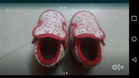 Kids shoes are available for sell