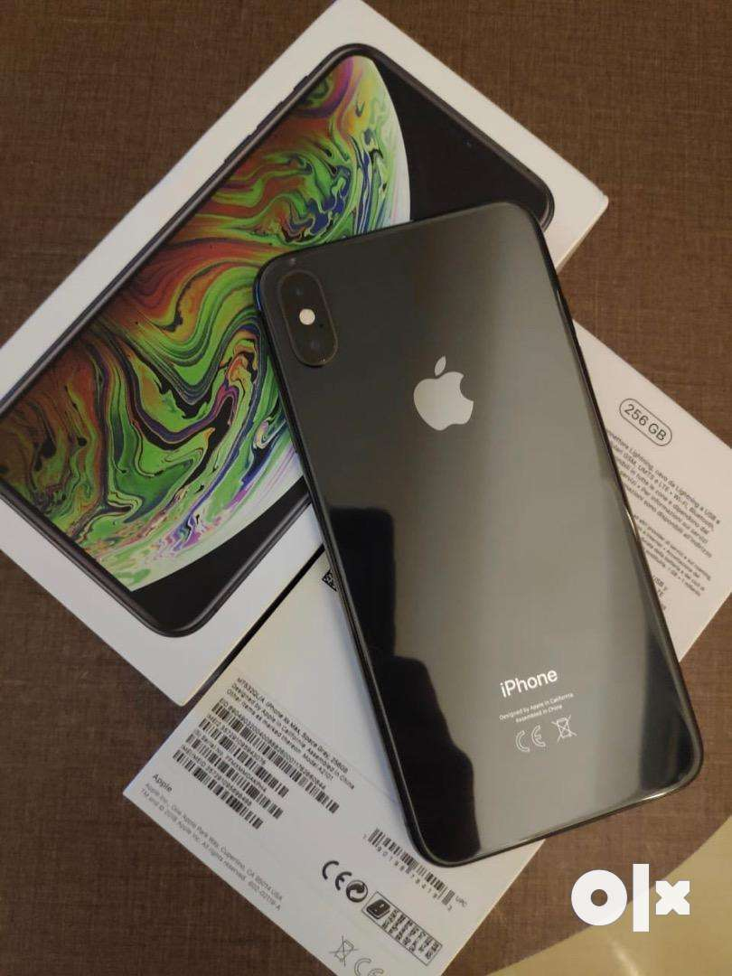 Iphone Xs max in a very good condition. 0