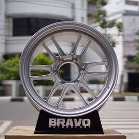 """velg mobil racing pajero hsr Ring 18"""" lobang 6x139,7 hsr kumamoto"""