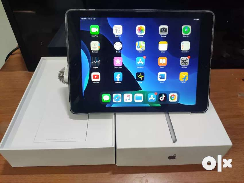 Ipad 9.7 6th gen only wifi with all accessories 0