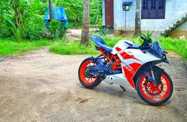 Ktm rc 200 white colour 2016 last model bs4 model