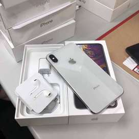 apple i phone all model available,,with all accessories and bill box i