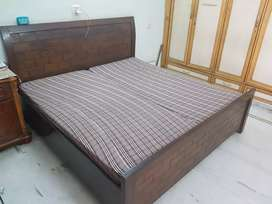 Double Bed With Mattress | 6 by 6