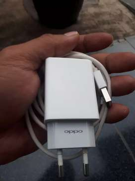 Charger oppo asli bawaan oppo F7 2A mulus