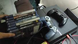 PS4 500gb + 3 Dualshock Controllers + 7 PS4 Games