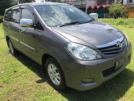 Toyota Innova Diesel G  MT 2011