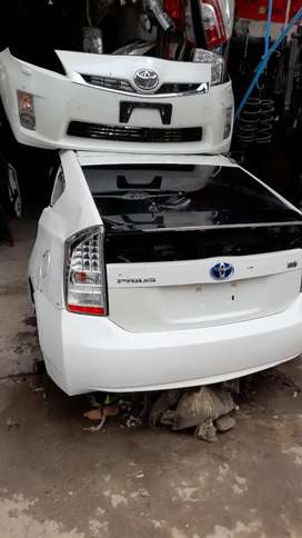 Toyota Prius Front Bumper & Back Cut
