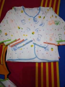 Baju bayi tangan panjang