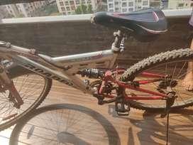 CYCLE  hardly used