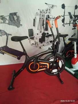 Alat fitness sepeda statis import id 662 N bc 51se4