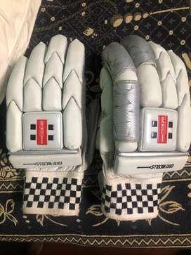 Cricket left hand batting gloves inner gloves and right hand gloves