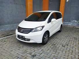 Honda Freed PSD 2011 putih istimewa (harga cash bukan kredit)