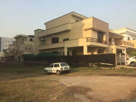 *1 KANAL HOUSE FOR SALE IN E-11/1 ISLAMABAD