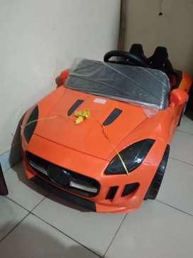 Remote operated kids car 7500