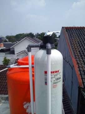 Filter penyaring air rumah tangga.