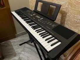 Yamaha PSR EW 300 76 Key Electronic Keyboard 3 Year Warranty (New)