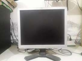 HP LCD 17inches price 2600
