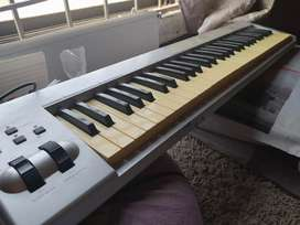 Selling my M audio piano in, working smoothly