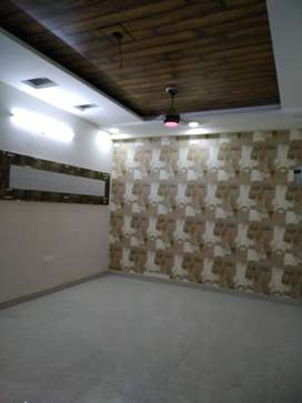 2 BHK FRONT SIDE FLAT AVAILABLE IN SHAKTI KHAND - 3, ON 80 FEET ROAD