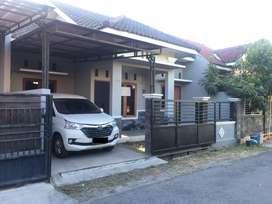 Disewakan  Rumah Lokasi Strategis belakang Hotel Alana Colom