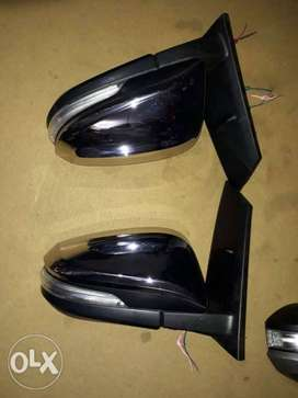 Innova crysta side mirror automatic with indicator...