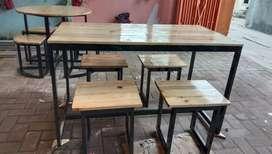 Meja set cafe bahan kaki besi alas kayu jati Belanda