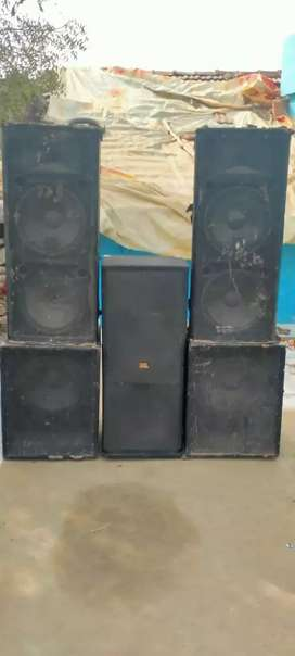 Dj sound system.  Rs.100000