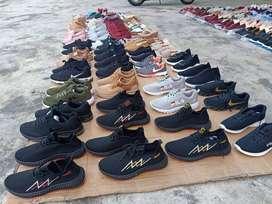 Sepatu impor dari luar negri