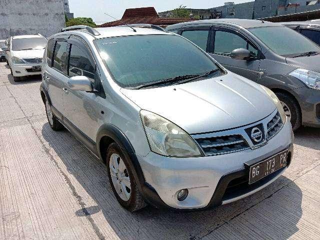 Nissan Livina Matic 2010 (harga lelang) 0